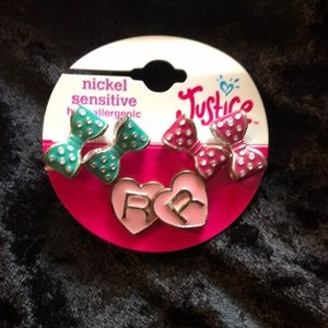 "Justice bow and ""R"" heat initial earrings"